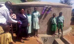 The Water Project : 19-kenya4661-finished-tank