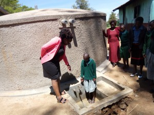 The Water Project : 9-kenya4661-training
